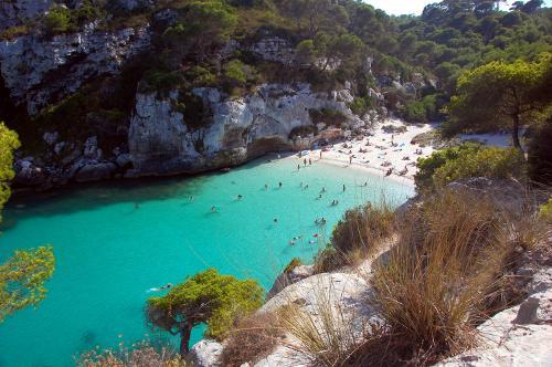 Menorca erholsamer urlaub auf der balearen insel hotel for Cala egos piscina natural
